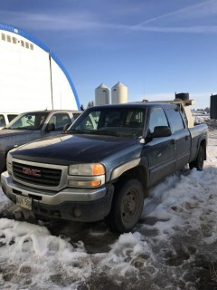 2006 GMC 2500 4X4 Crew Cab C/W 6.0L Vortec, A/T. VIN# 1GTGK13U06F127687 **PARTS ONLY**