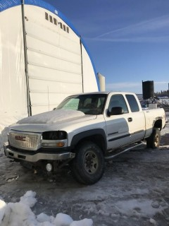 2003 GMC 2500 4X4 Extended Cab C/W 6.0L, A/T VIN# 1GTHK29U73Z173819 **PARTS ONLY**