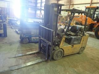 CAT VC-60 Forklift c/w LPG, 3-stage Mast, Side Shift, S/N 6EM01939 *Note Forklift to remain onsite until Noon April 19, 2019. Unless Mutually Agreed upon.