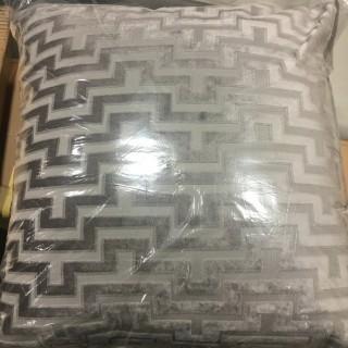 """Set Of 2 Grey Pillows, 20x20"""""""