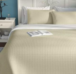 Acosta Reversible Quilt Set, King, Off White
