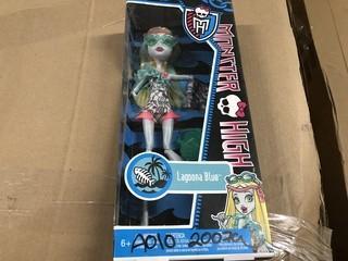 Lot of (2) Monster High Dolls 1 Venus Mcflytrap 1 Laguna Blue