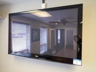 "LG 52"" Flatscreen Television w/ Wall Mount. **LOCATED IN MILK RIVER**"
