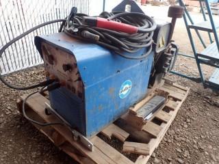 Miller AEAD-200LE Portable Gas Welder w/ Onin Generator. **LOCATED IN MILK RIVER**