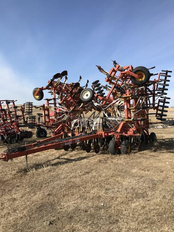 "1998 Bourgault 5710 Tow Behind Air Drill C/W 10"" Spacing, Sgl Shoot, Mid-Row Banding, 3"" Rubber Packers. U/C 40%. S/N AH2181. **LOCATED IN WAINWRIGHT, AB**"