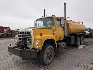 1981 Ford 9000 T/A Tank Truck c/w Detroit Diesel, Hyd. Pump. Note: Yard Use Only, Can't Register. S/N 1FDYU90T8BVJ10959