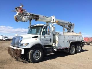 2007 International 7500 T/A Truck c/w HT570, Auto, A/C. Air Ride Susp., Telelect Commander C5052, Grapple. Showing 113345 Kms. Unit # U5782. S/N 1HTWNAZT67J428774