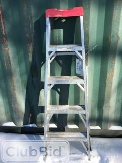4 Step Folding Step Ladder