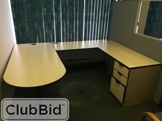 L-Shaped Desk 6'x4.5' w/Top Cabinet & Hardware