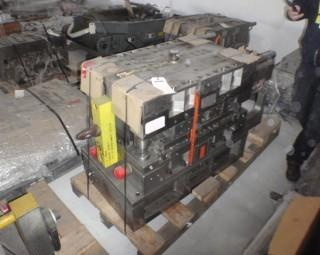 2000 Husky 32 Cavity Injection Mould, S/N 324903