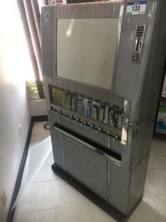 (7) Slot Vintage Vending Machine. SN 1067444