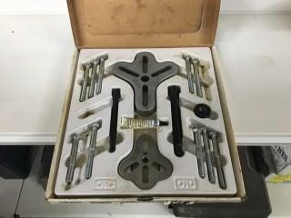 OTC Flange Type Puller Combination Kit
