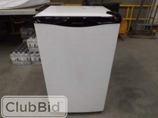 Diplomat 115V Mini Fridge w/ Freezer.