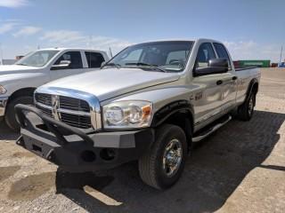 2008 Dodge Ram 3500 HD 4x4 Quad Cab P/U c/w Cummins Turbo Diesel, Auto, Front Winch Bumper. Showing 393041 KMS                 S/N 3D7MX38A08G178371