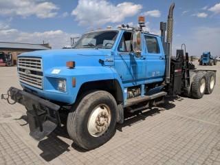 1990 Ford F900 T/A Crew Cab C&C c/w Ford 6 Cyl On LPG, Auto. S/N 1FDYL90A6LVA40402