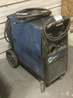 Miller Millermatic 251 200Amp Wire Feed Welder. SN LE361729  *Note: Needs Repairs*