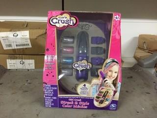 Lot of (2) Girl Crush Streak And Style Playset